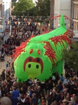 caterpillar-crowd-2-great